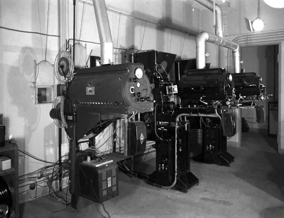 1937 - Vue de la cabine de projection(ouverture du diaporama)