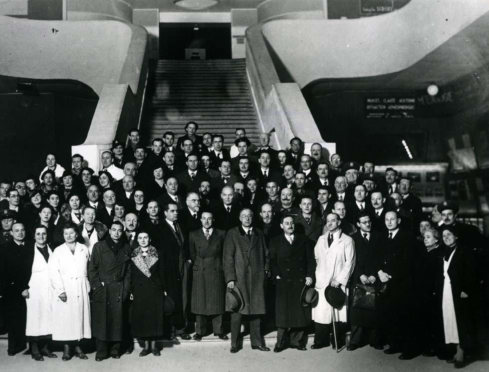 1937 - Personnel du Palais de la découverte(ouverture du diaporama)