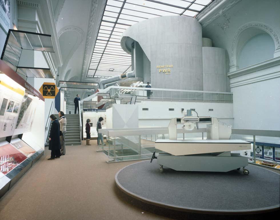 1980 - Maquette de la centrale nucléaire de Bugey(ouverture du diaporama)